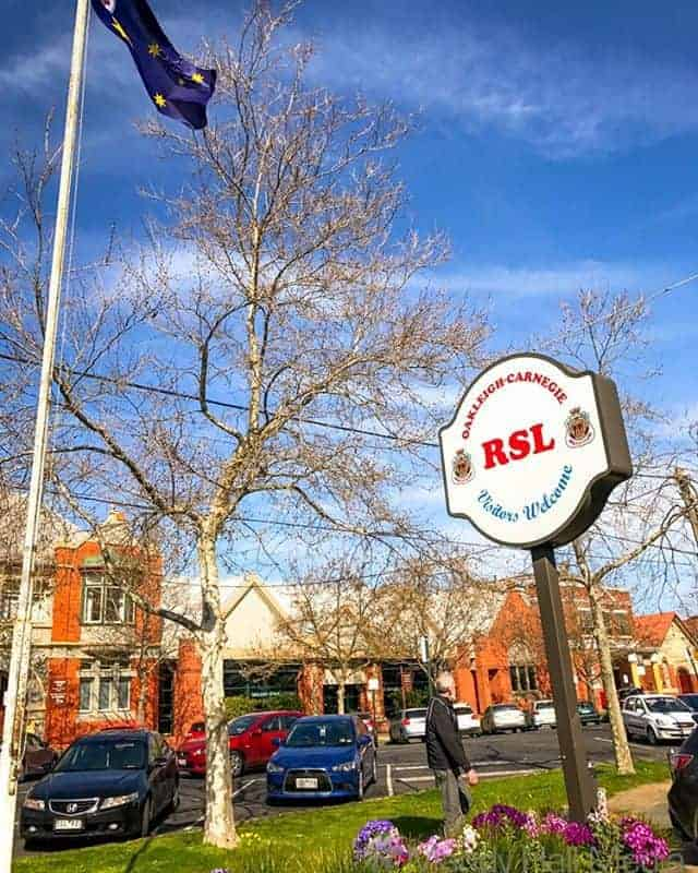 Outside the Oakleigh RSL
