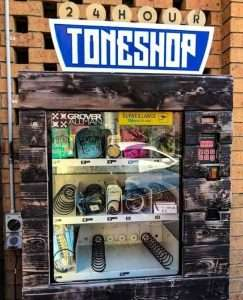 Useful vending machine for guitarists