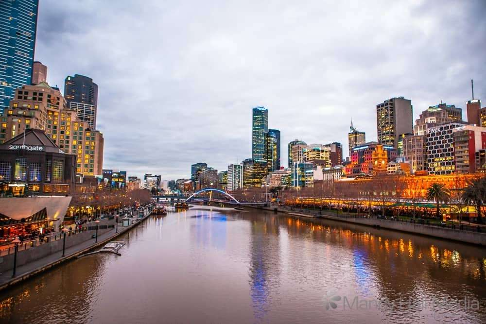 Looking over the Yarra in the evening