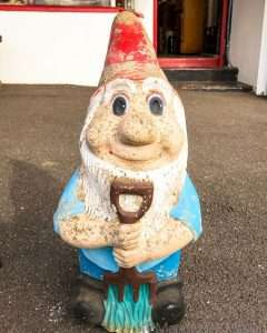 The ugliest garden gnome. Count yourself lucky you aren't getting it for Christmas @roylelpo