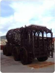 Iron lace truck at Mona