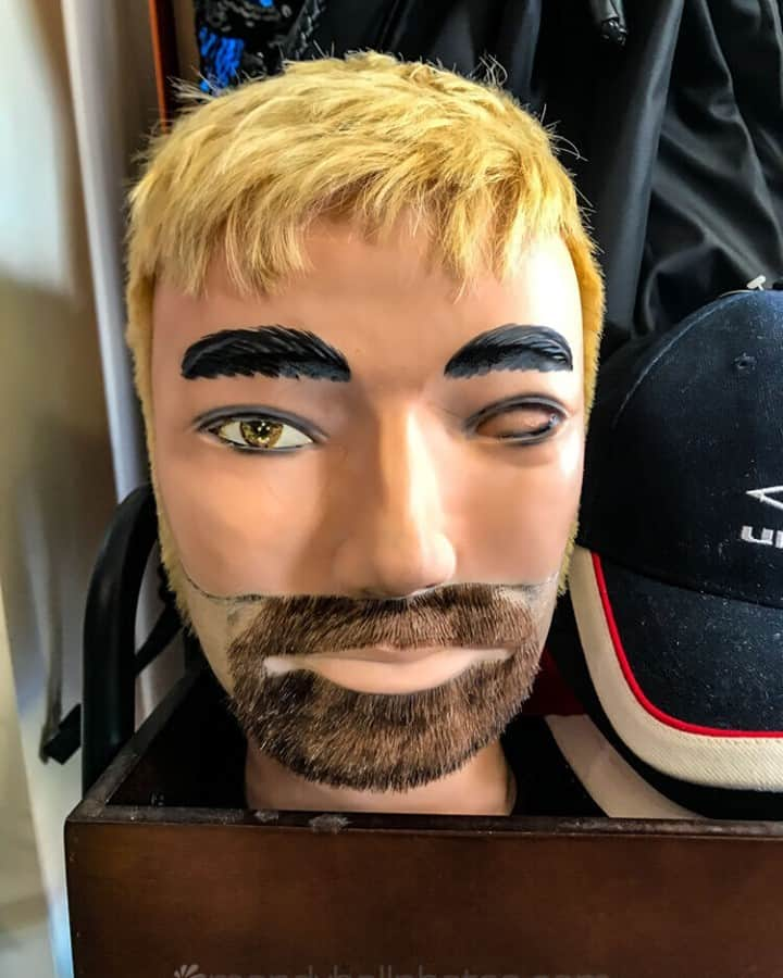 Head looking suspiciously like Daniel Johns from Silverchair in the Op Shop